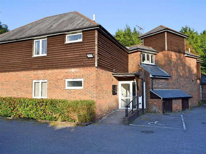 2 Bedrooms Flat for sale in Park Lane, Kemsing, TN15
