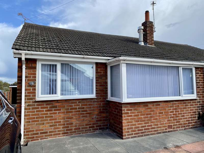 2 Bedrooms Semi Detached Bungalow for sale in Common Edge Road, Blackpool