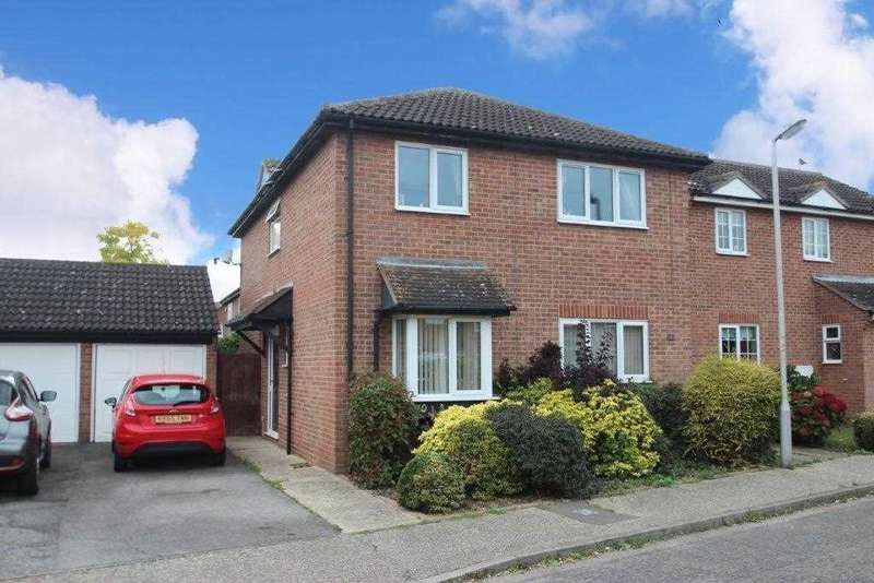 4 Bedrooms Detached House for sale in Mayford Way, Clacton-on-Sea