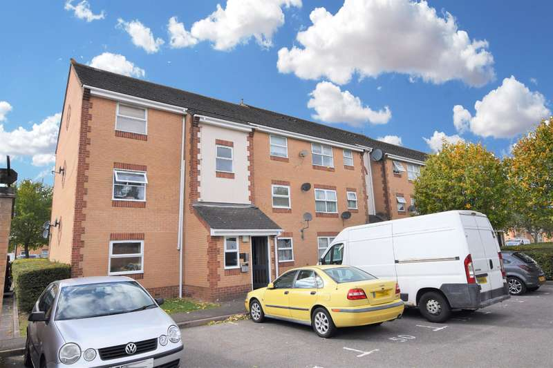 1 Bedroom Flat for sale in Burns Avenue, Chadwell Heath, RM6