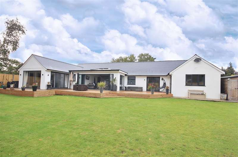 5 Bedrooms Bungalow for sale in Fir Tree Close, St Leonards, Ringwood