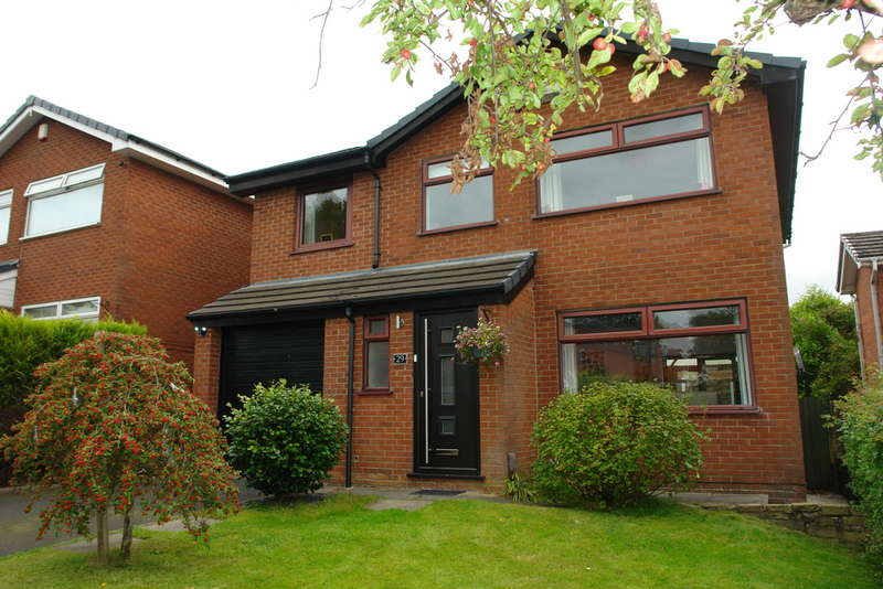 4 Bedrooms Detached House for sale in Amberwood, Firwood Park, Chadderton