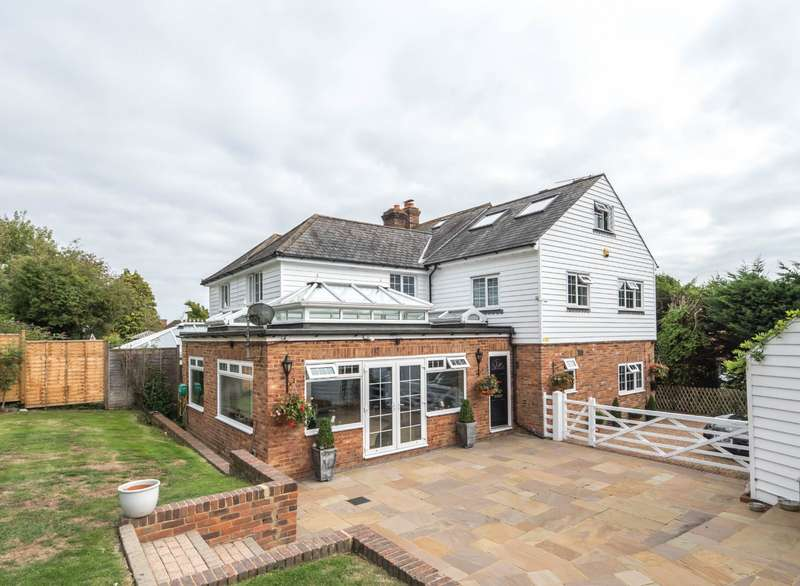 4 Bedrooms Semi Detached House for sale in Lossenham Lane, Newenden