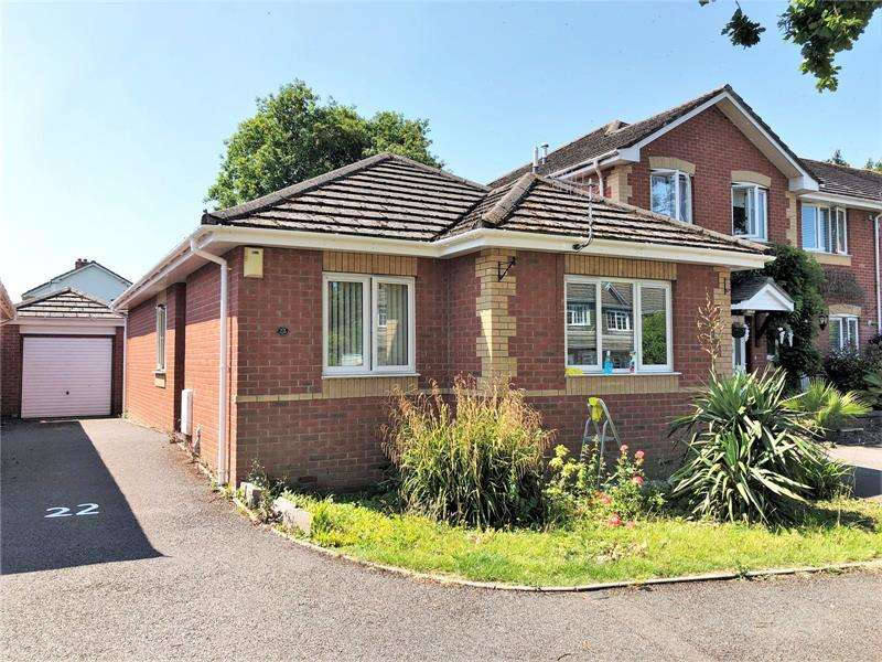 3 Bedrooms Bungalow for sale in Markham Close, Northbourne, Bournemouth, BH10