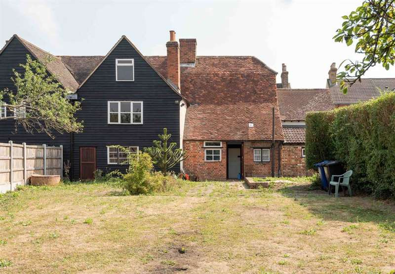 5 Bedrooms Semi Detached House for sale in Halls Row, High Road, Horndon-on-the-Hill, Stanford-le-Hope