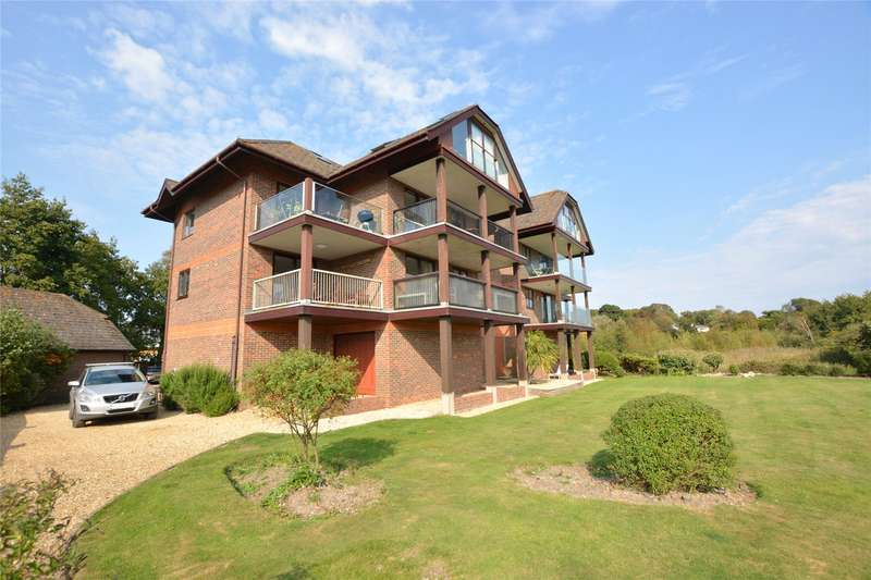 2 Bedrooms Flat for sale in Island Point, Undershore Road, Lymington, Hampshire, SO41