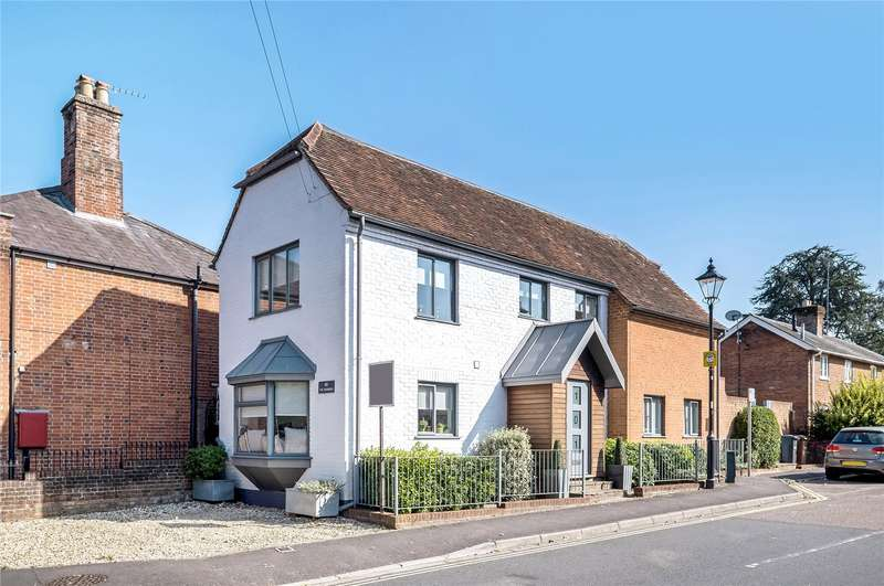3 Bedrooms Detached House for sale in The Hundred, Romsey, Hampshire, SO51