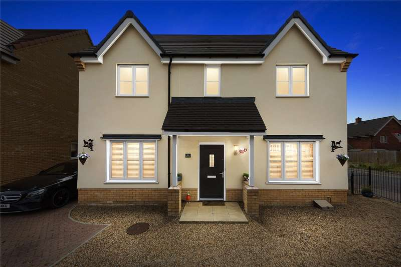 4 Bedrooms Detached House for sale in Radcliffe Close, Flitch Green, Dunmow, CM6