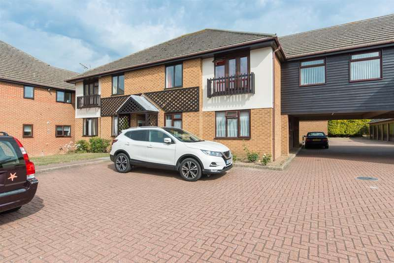2 Bedrooms Apartment Flat for sale in Miles Way, Birchington