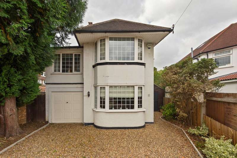 4 Bedrooms Detached House for sale in Leigham Drive ,Isleworth