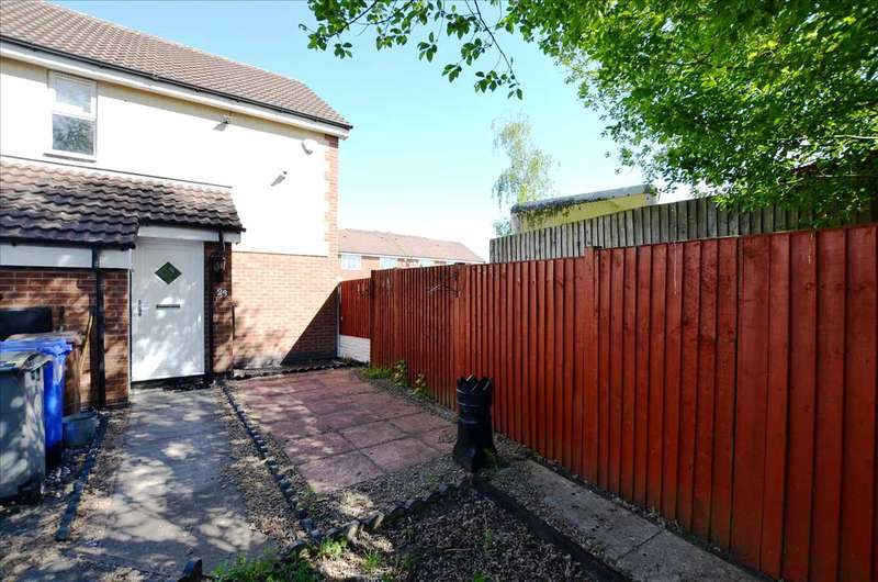 2 Bedrooms Apartment Flat for rent in Bowlers Close, Festival Heights, Stoke-On-Trent