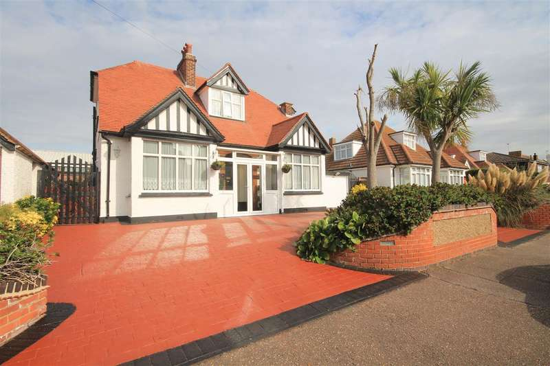 4 Bedrooms Detached House for sale in Trafalgar Road, Clacton on Sea