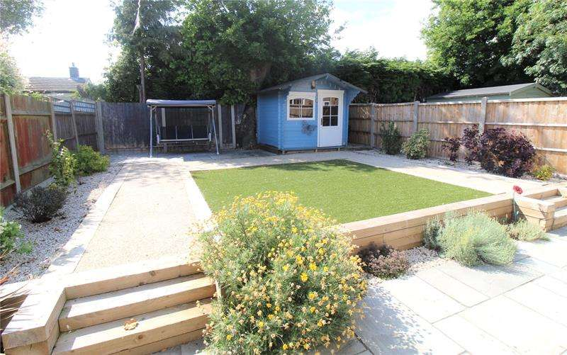 4 Bedrooms Detached House for sale in Kendal Way, Leigh-on-Sea, Essex, SS9