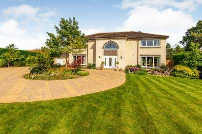 4 Bedrooms Detached House for sale in Middleton Road, Hutton Road, United Kingdom
