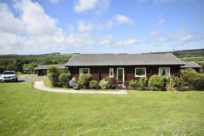 3 Bedrooms Chalet House for sale in Hartland Forest Golf Club, Woolsery, Bideford
