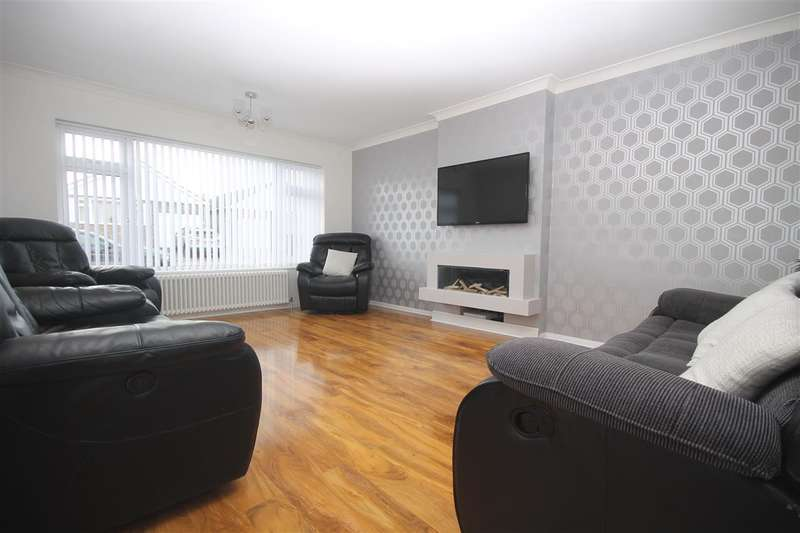3 Bedrooms Bungalow for sale in Cypress Close, Great Clacton