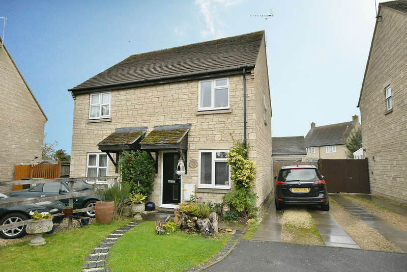 2 Bedrooms Semi Detached House for sale in John Tame Close, Fairford