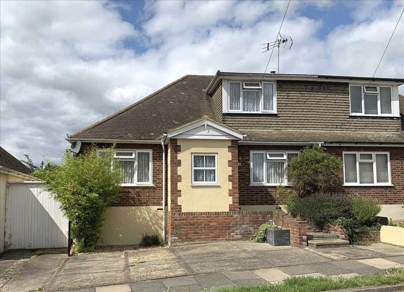 3 Bedrooms Chalet House for sale in Eastwood, Leigh on Sea