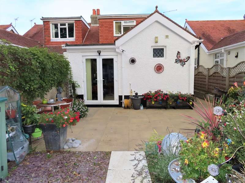 4 Bedrooms Semi Detached House for sale in Kingston Road, Gosport