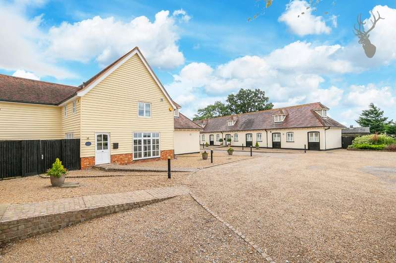 4 Bedrooms Barn Conversion Character Property for sale in Abridge Road, Theydon Bois, Epping