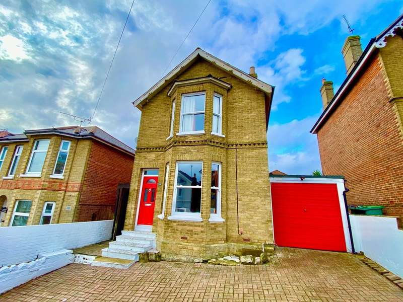3 Bedrooms Detached House for sale in Well Street, Ryde