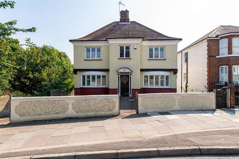4 Bedrooms Detached House for sale in Parrock Road, Gravesend, DA12 1PZ