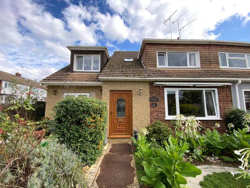 5 Bedrooms Semi Detached House for sale in The Oaks, Billericay