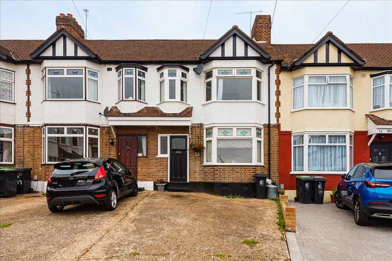 3 Bedrooms Terraced House for sale in Birch Close, Buckhurst Hill, Essex