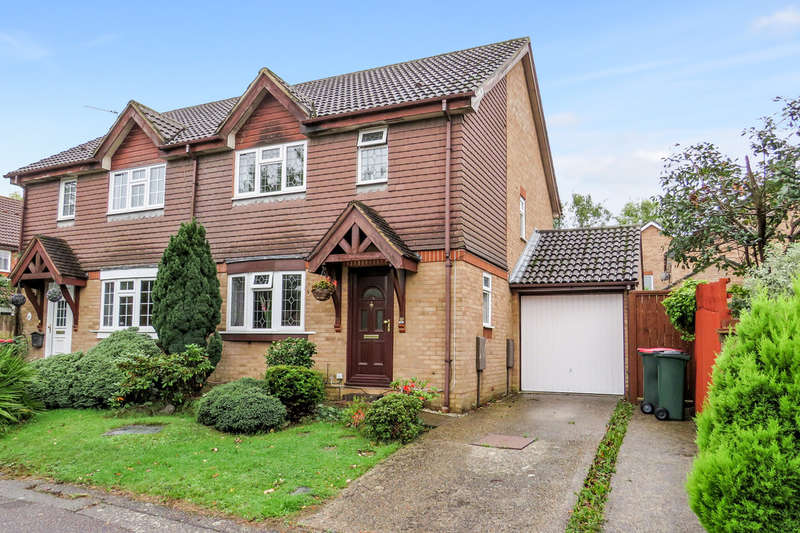 3 Bedrooms Semi Detached House for sale in Bewbush, Crawley, RH11