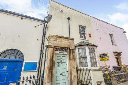 2 Bedrooms Terraced House for sale in Wesley Place, Bristol