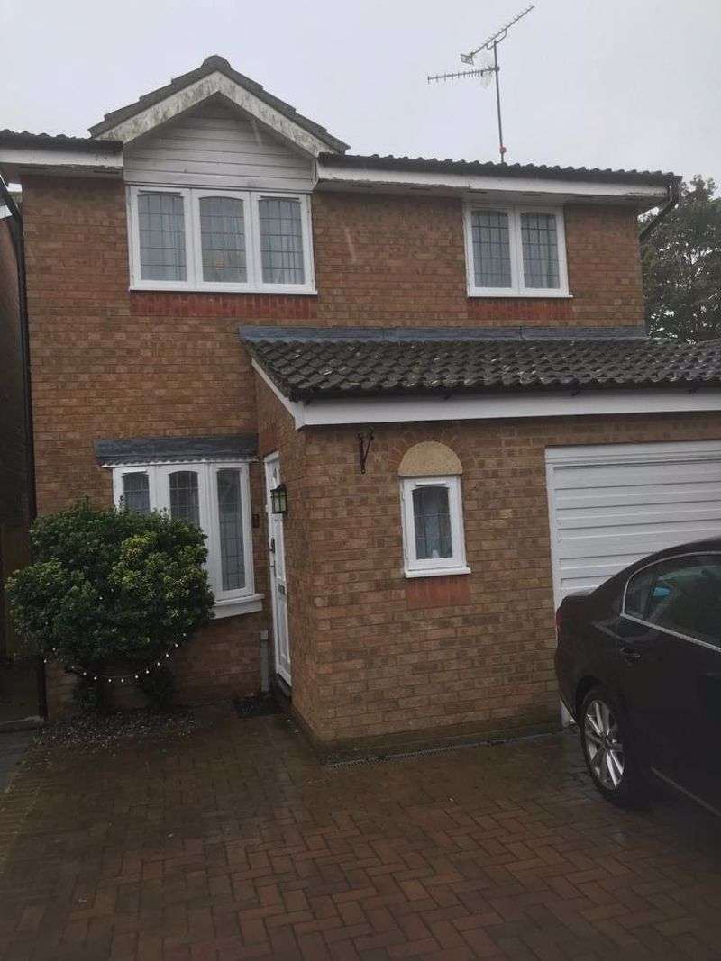 3 Bedrooms Property for sale in Buttermere Close, Kettering