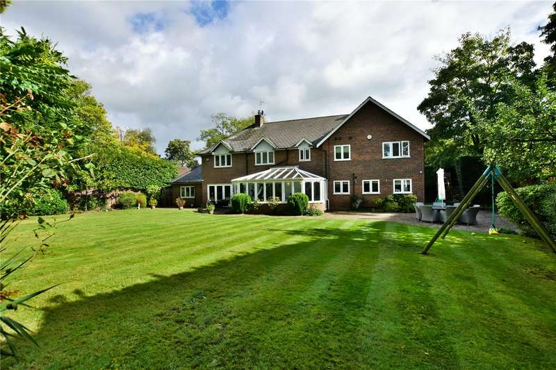 5 Bedrooms Detached House for sale in Lower Plantation, Rickmansworth, Hertfordshire, WD3