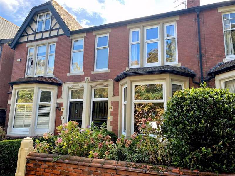 3 Bedrooms Terraced House for sale in Cleveland Road, Lytham