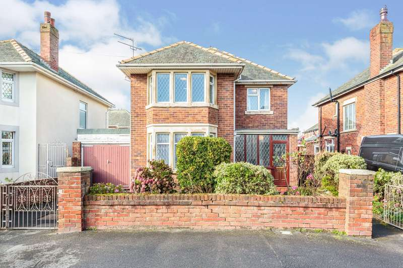 3 Bedrooms Detached House for sale in Walpole Avenue, Blackpool, Lancashire, FY4