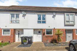 2 Bedrooms Terraced House for sale in Nursery Grove, Gravesend, Kent, England