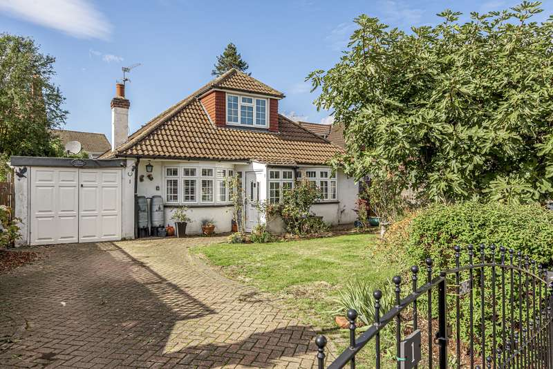 4 Bedrooms House for sale in Hatch Close, Addlestone, KT15