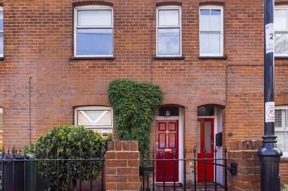 2 Bedrooms Property for sale in Lower Brook Street, Basingstoke