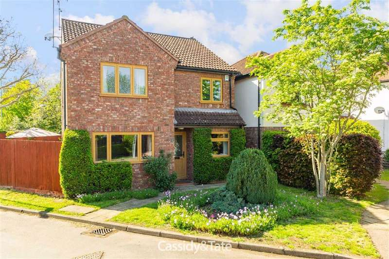 4 Bedrooms Property for sale in Balmoral Close, St Albans, Hertfordshire - AL2 2AF