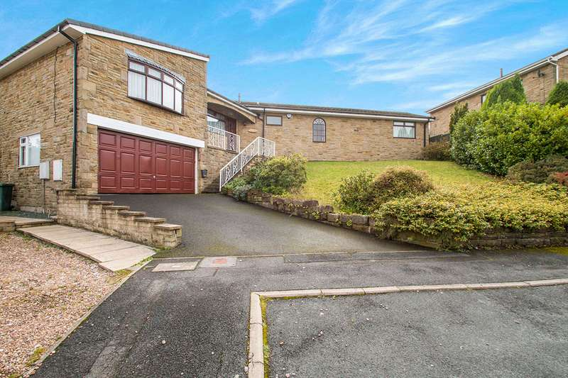 4 Bedrooms Detached House for sale in South Bank Road, Batley, West Yorkshire, WF17