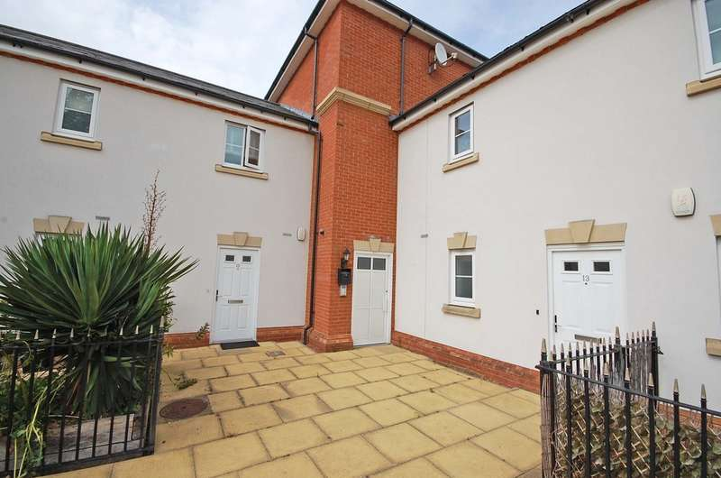 2 Bedrooms Apartment Flat for sale in Fayrewood Drive, Great Leighs, Chelmsford, CM3