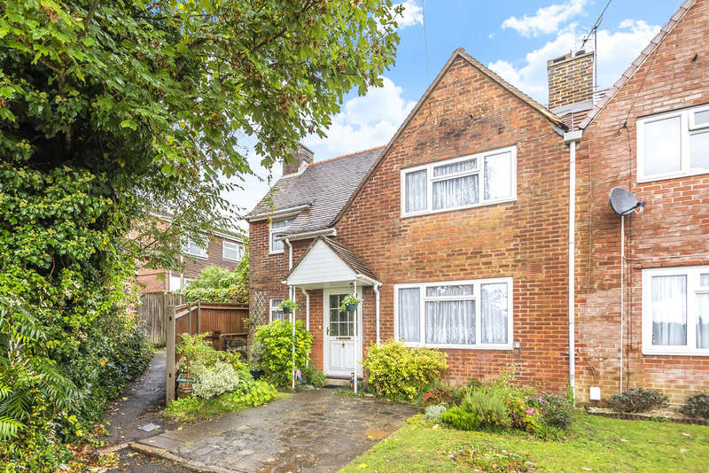 3 Bedrooms Semi Detached House for sale in Selborne Place, Winchester