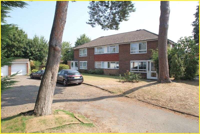 2 Bedrooms Property for sale in Martins Close, West Wickham