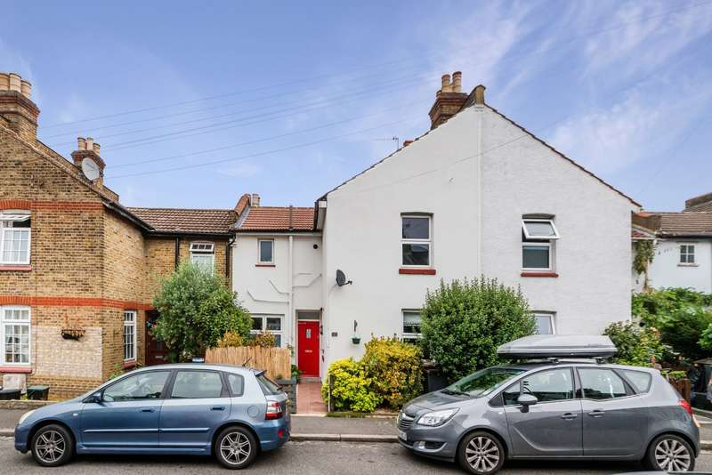 3 Bedrooms House for sale in Gowland Place, Beckenham, BR3