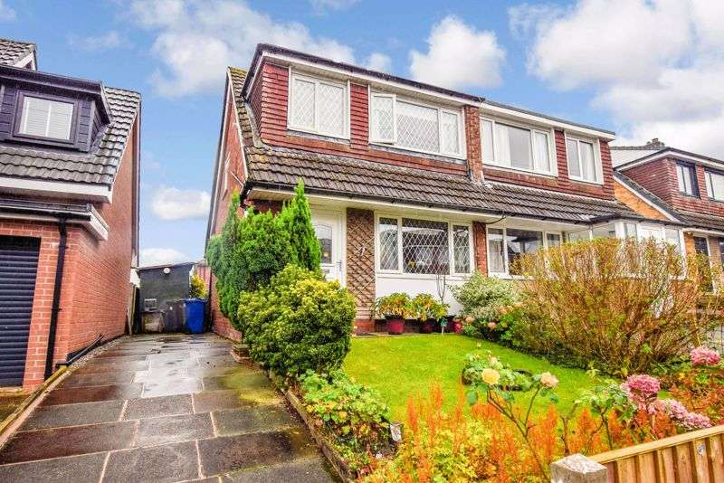 3 Bedrooms Property for sale in Holthouse Road, Bury