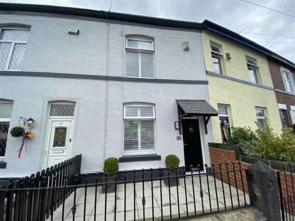 2 Bedrooms Terraced House for sale in Parr Lane, Bury
