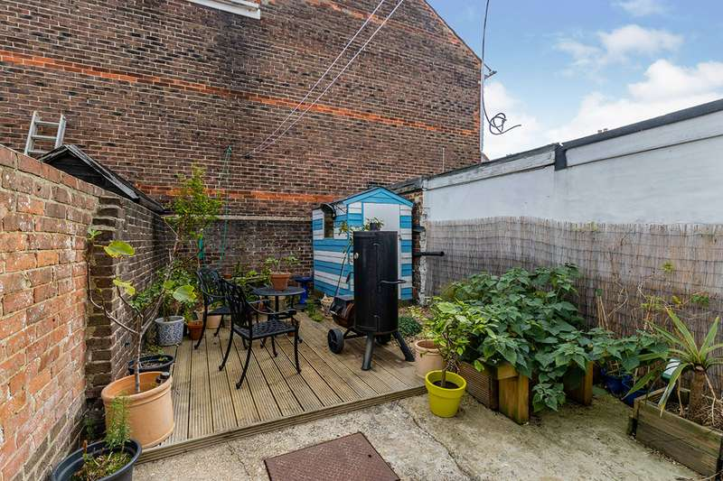 3 Bedrooms House for sale in Widley Road, Portsmouth, Hampshire, PO2