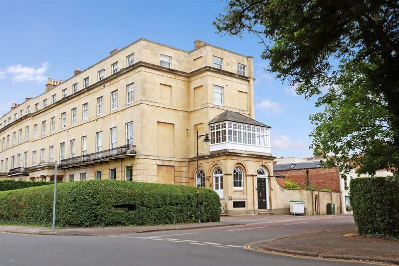 2 Bedrooms Apartment Flat for sale in Lansdown Crescent, Cheltenham