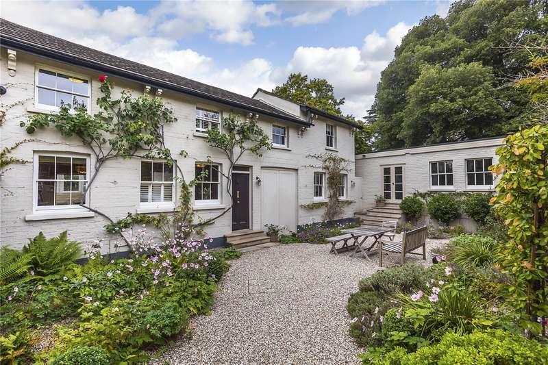 3 Bedrooms Detached House for sale in Kidbrooke Park Road, London, SE3