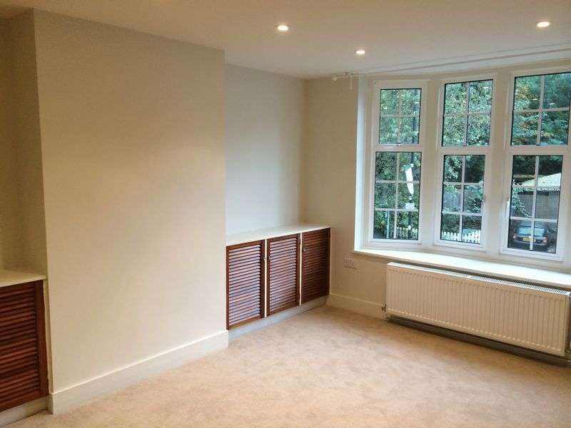 2 Bedrooms Property for rent in South Street, Epsom