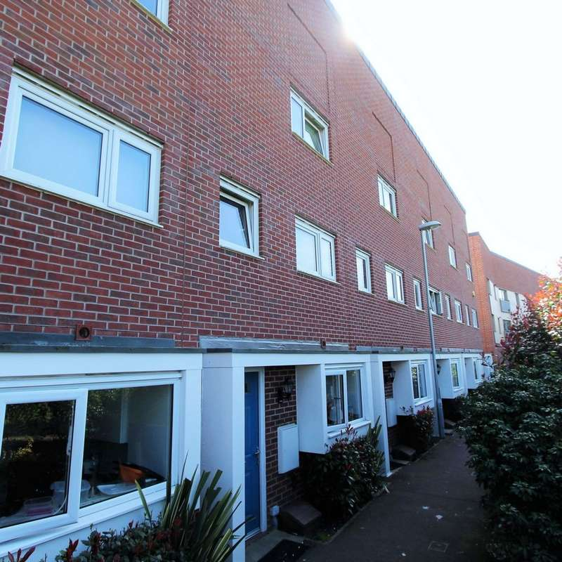 5 Bedrooms House for rent in Aviation Avenue, Hatfield, AL10
